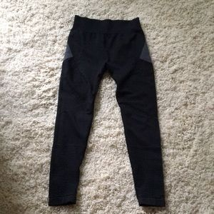 Fabletics Demi Lavato leggings (S)